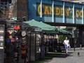 VIDEO: Kios Makanan di Camden Market Kembali Ramai Pembeli