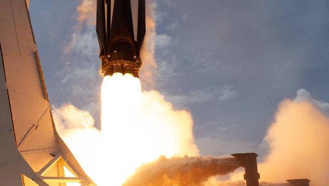 Peluncuran roket pesawan ruang angkasa nasa spacex