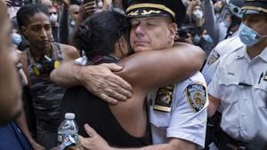 FOTO: Solidaritas Polisi AS di Tengah Aksi Antirasisme