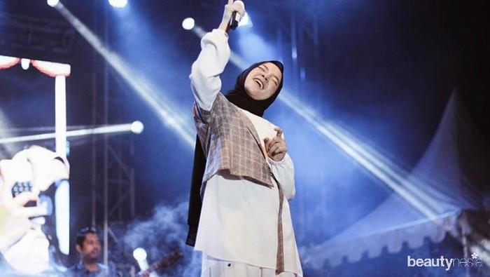 Jadi Idola Para Milenial, Simak 5 Potret Cantik Nissa Sabyan