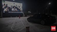 FOTO: Sensasi Menikmati Film di Tempat Parkir kala Pandemi