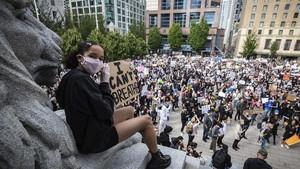 FOTO: Aksi Solidaritas Global Kecam Kematian George Floyd