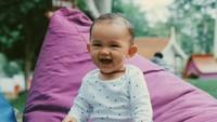 <p>Dahlia dan Fandy juga punya anak perempuan, namanya Iona Rose Christian. Putri kedua mereka ini masih bayi dan tak kalah menggemaskan dari sang kakak. (Foto: Instagram @dahliachr)</p>