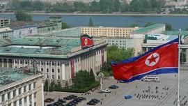 Diplomat Rusia Pulang dari Korut Pakai Troli Didorong Sendiri