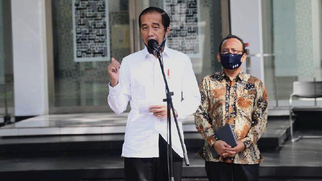 Presiden Joko Widodo mengecek kesiapan masjid di istana, Kamis (4/6) / Foto: Rusman-Biro Setpres