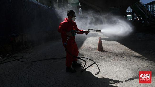 Kantor kelurahan Pejaten Timur, Jakarta Selatan ditutup sementara usai salah satu pegawainya positif terinfeksi Covid-19.