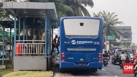 Hari Pertama PSBB Transisi, Halte Transjakarta Puri Beta Sepi