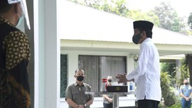 Jakarta PSBB Lagi, Jokowi Salat Jumat di Masjid Istana Bogor