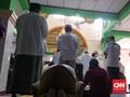 Jumatan di Masjid Petamburan, Saf Luber ke Jalan