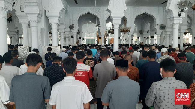 Status Zona Merah Corona Banda Aceh Tetap Gelar Salat Jumat