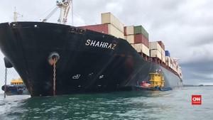 VIDEO: Kru Kapal Iran yang Kandas Menolak Dievakuasi