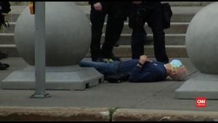 VIDEO: Dorong Pedemo Manula, Polisi New York Diskors
