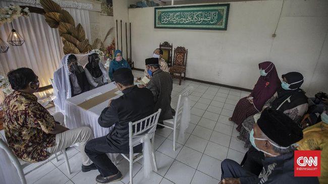 Pemerintah merancang Program Kartu Prakerja untuk calon pengantin demi mencegah munculnya keluarga miskin baru.