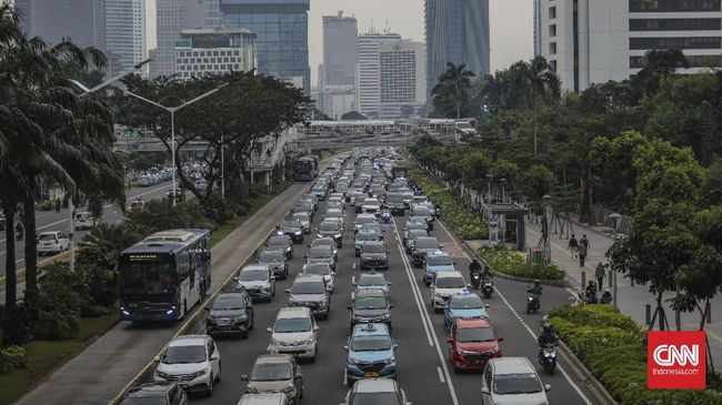 Pemprov DKI Jakarta terus mengevaluasi volume kendaraan bermotor selama PSBB Transisi berlaku di ibu kota.