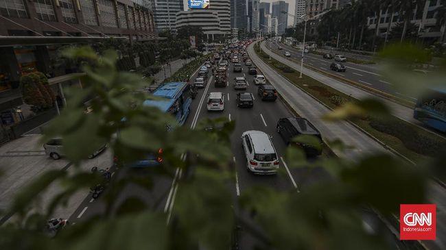 kemacetan di jalan jenderal sudirman saat psbb transisi 4 169