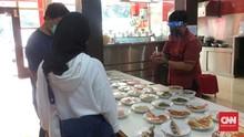 Menengok Protokol Kesehatan di Rumah Makan Padang Saat PSBB
