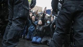 Demo Usai Polisi AS Tembak Warga Kulit Hitam Berujung Ricuh