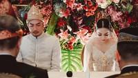 <p>Proses akad nikah Niken dan Adimaz berlangsung dengan khidmat. (Foto: Instagram @nikenanjanii)</p>