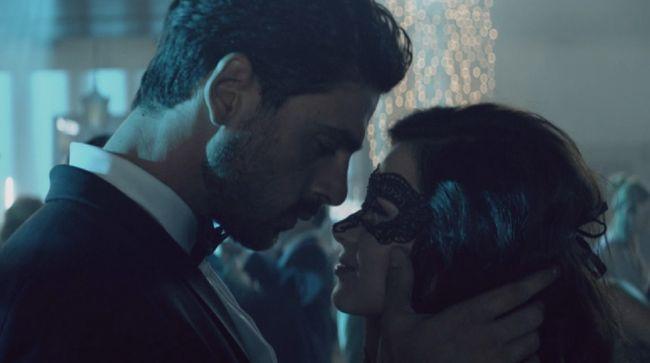 Syuting film thriller erotis 365 Days (365 Dni) mengambil tempat di Italia dan Polandia.