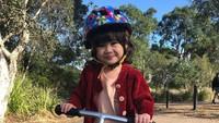 "<span style=""color: #222222; font-family: Arial, Helvetica, sans-serif; font-size: small;"">Bridgia Kalina Kharisma lahir pada 20 September 2017, di Sydney, Australia. (Foto: Instagram @septriasaacha)</span>"