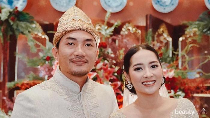 Menikah, Cantiknya Niken Anjani dengan Kebaya Brokat dan Songket Palembang