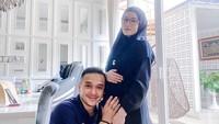 <p>Saat ini, kehamilan Lyra Virna sudah memasuki 28 minggu, Bunda. (Foto: Instagram @fadlanmuhammad)</p>