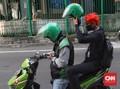 2 Hari PSBB Transisi, Penumpang Ojol Belum Pakai Helm Pribadi