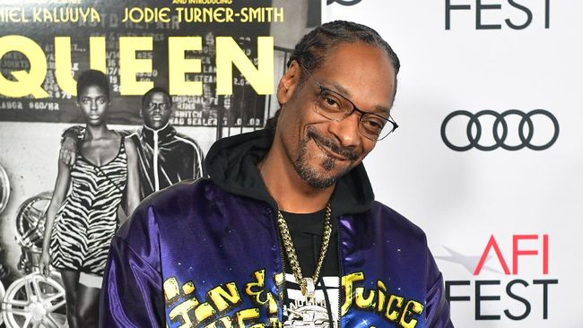 US rapper Snoop Dogg arrives for the AFI Opening Night Gala premiere of