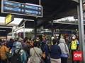 Antrean di Stasiun Bekasi Membludak, Sempat Diwarnai Protes