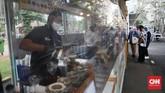 Kawasan kuliner dan kreatif Thamrin 10 seluas 8000 meter persegi yang berada di kawasan Jalan Thamrin, Jakarta ini sempat tutup hampir 3 bulan saat pandemi corona. (CNN Indonesia/ Safir Makki)