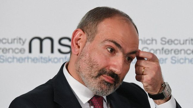 Armenian Prime Minister Nikol Pashinyan takes part in a panel discussion during the 56th Munich Security Conference (MSC) in Munich, southern Germany, on February 15, 2020. - The 2020 edition of the Munich Security Conference (MSC) takes place from February 14 to 16, 2020. (Photo by Christof STACHE / AFP)