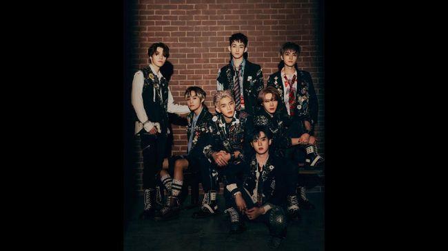 Boyband WayV mengumumkan akan segera merilis album mini ke-3 berjudul Kick Back.