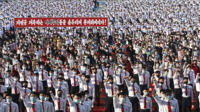 Pemerintah Korea Utara mulai melakukan uji klinis tahap tiga vaksin corona buatan dalam negeri.