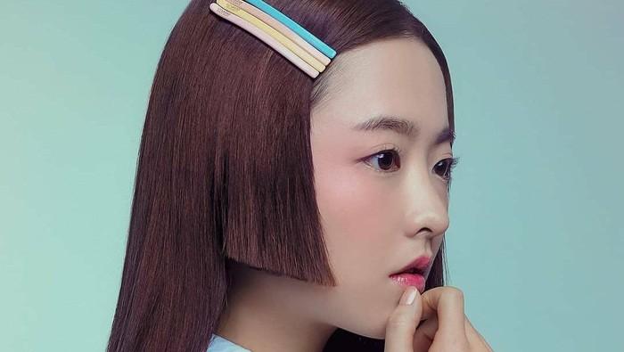 Park Bo Young terakhir bermain dalam drama Korea berjudul Abyss yang tayang di Netflix. Drama ini bergenre fantasy romantic tentang kelereng ajaib yang memiliki kekuatan untuk bereinkarnasi jiwa orang mati sebagai orang berbeda. Bersama lawan mainnya, Ahn Hyo Seob, dirinya berperan sebagai seorang jaksa tangguh, ulet dan cantik yang menderita karena kecelakaan fatal.(Foto: Instagram.com/park_bo_young_18/)