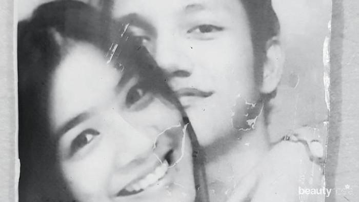 Kumpulan Foto Jadul Titi Kamal dan Chiristian Sugiono, Couple Goals!