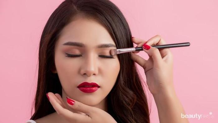 7 Kesalahan Makeup yang Bikin Wajah Terlihat Tua