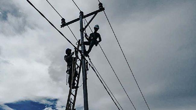 Rasio elektrifikasi di Papua meningkat tajam pada periode 2014-2020. Kegembiraan masyarakat Papua menjadi dorongan bagi PLN melistriki Papua.