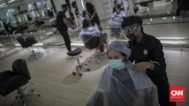 FOTO: Salon Kembali Buka di Masa New Normal