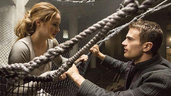Bioskop Trans TV malam ini, Senin (26/7) akan menayangkan film Divergent (2014) pada pukul 19.30 WIB.