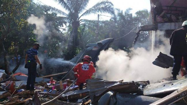 Pesawat TNI AU yang jatuh di Kabupaten Kampar yang berbtasan dengan Kota Pekanbaru, Senin pagi (15/6/2020). (ANTARA/HO-netizen)