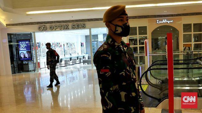 TNI diterjunkan langsung ke lapangan untuk membina masyarakat dalam hal pencegahan penyeberan virus corona yang semakin masif.