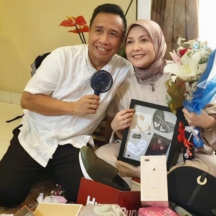 Miing Bagito dan Istri