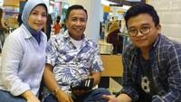 <p>Kali ini keduanya foto dengan anak bungsu Miing, Dafi. (Foto: Instagram @lisma_gumelar)</p>