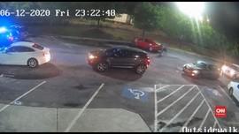 VIDEO: Warga Demo Penembakan di Atlanta, Polisi Dipecat