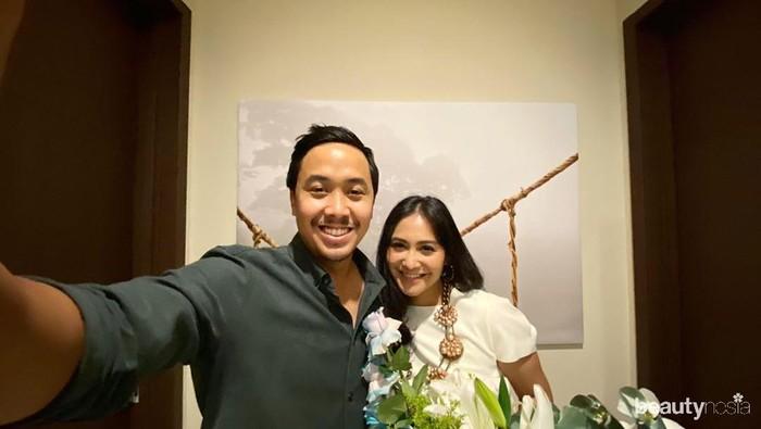 Tetap Romantis, 5 Artis Ini Rayakan Wedding Anniversary di Tengah Pandemi Corona