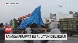 VIDEO: Bangkai Pesawat TNI AU Jatuh Dievakuasi