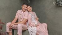 <p>Asmirandah dan Jonas Rivanno tengah berbahagia menyambut calon bayi pertama mereka, Bunda. (Foto: Instagram @riomotret)</p>