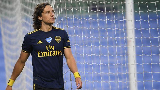 Pemain Arsenal David Luiz dilaporkan bertengkar dengan Dani Ceballos di sesi latihan Arsenal, beberapa waktu lalu.