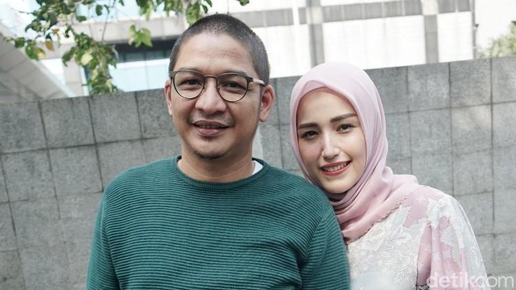 Pasha Ungu dan Adelia saat ditemui di kawasan Trans TV.