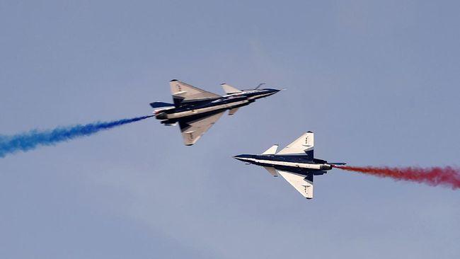 Malaysia akan memanggil duta besar China untuk meminta penjelasan atas aktivitas pesawat tempur Negeri Tirai Bambu di wilayah udara mereka.